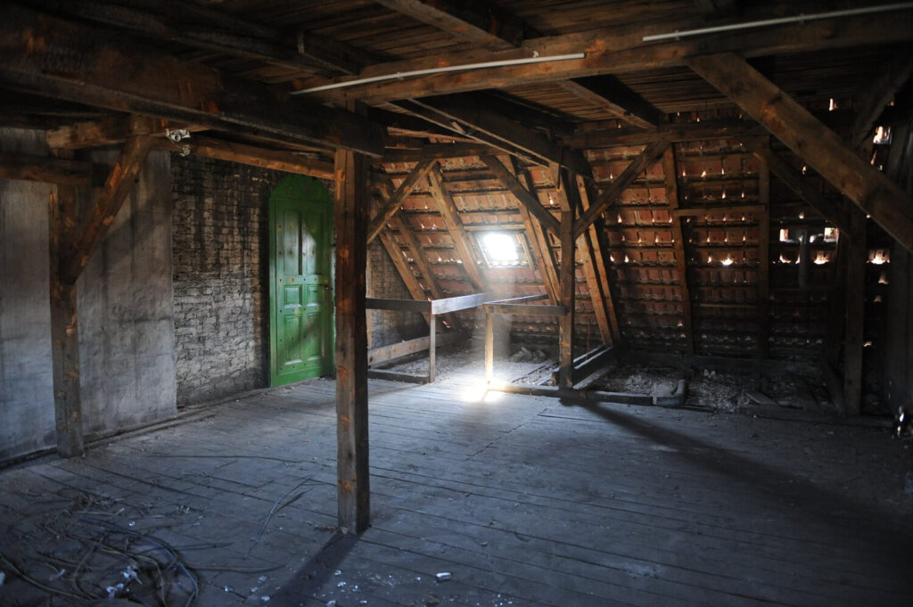 Film Location - Dachboden