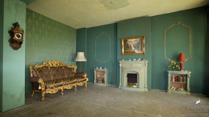 Barock Kaminzimmer - Totale mit Kamin und Sofa